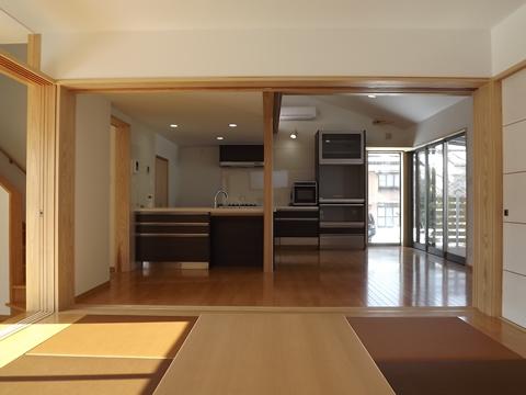 kishimoto-201202-living-2